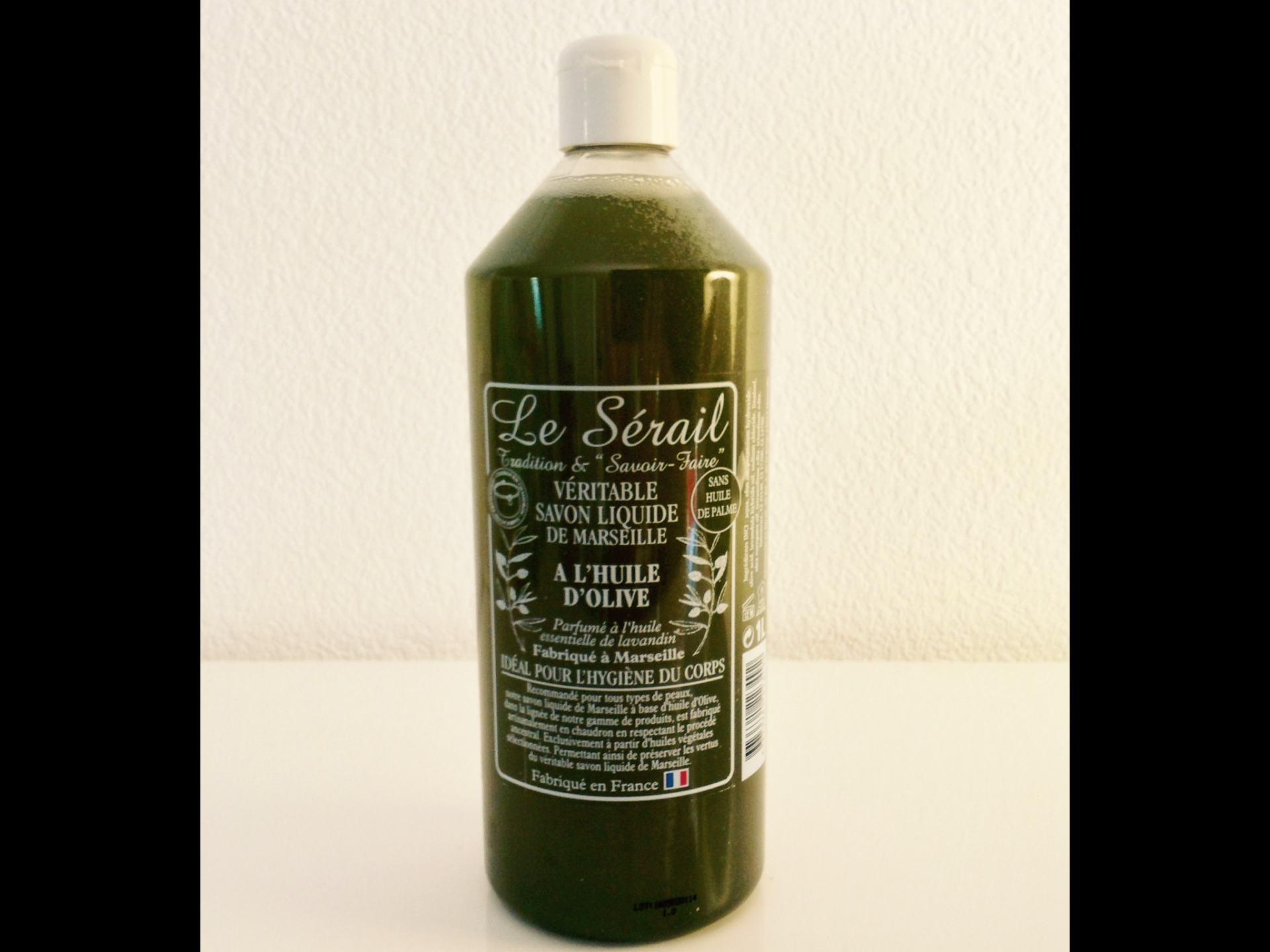 le v ritable savon de marseille liquide l 39 huile essentielle de lavandin. Black Bedroom Furniture Sets. Home Design Ideas